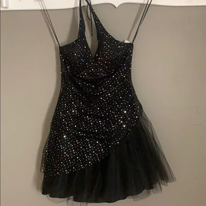 NWT Short formal halter dress